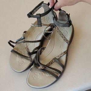 Hi Tec Sienna Strap Sandal Size 10